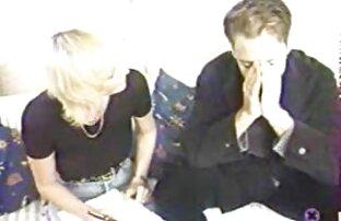 Doris Uhlich trong --Mehr als xxx tre dep genug-- (2009).