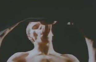 Busty Buffy chơi với cô ấy ngực và máy rung lon dep xx