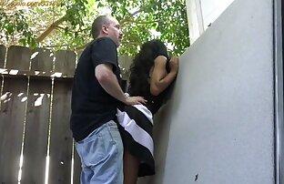 Cô ấy hút và vuốt ve của cô ấy vòi nước của anh xxx lon dep người đàn ông sau đó đưa anh ấy tải