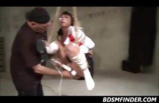 Trẻ Carmen Valentina cưỡi một sybian với trưởng thành SỮA. anh xxx lon dep Dee!